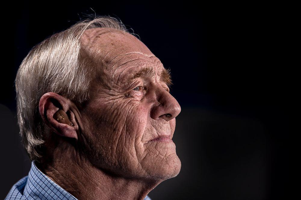 Eldre menn opplever ofte hårtap